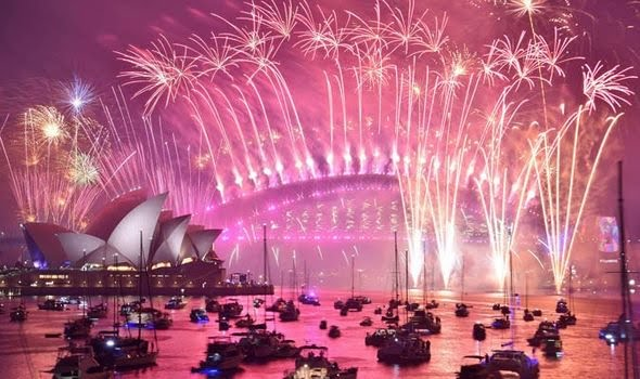 Boats back Sydney harbour for the spectacular fireworks show which went a bit wrong this year