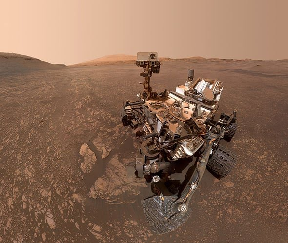 nasa-conspiracy-theory-mars-curiosity-rover-alien-life-water-on-mars